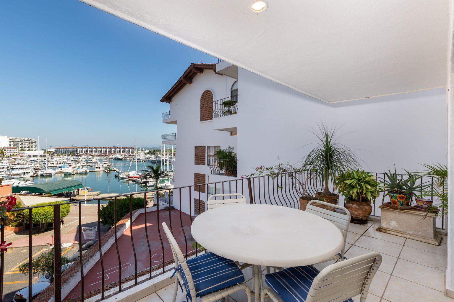$299,000 for this 2 bedroom Marina condo